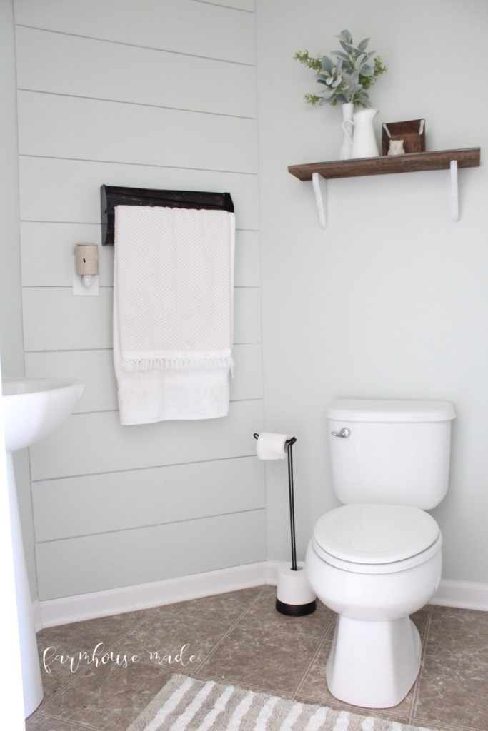 This bathroom makeover has all the farmhouse style for under $100.