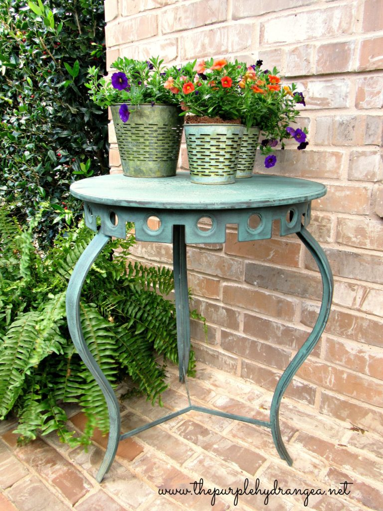 I mixed up a custom color using Miss Mustard Seed's Milk Paint to use on my patio table trash to treasure project.